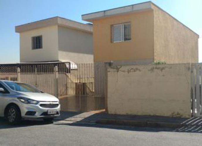 Sobrado à venda, 143 m², 3 quartos, 2 banheiros, 1 suíte