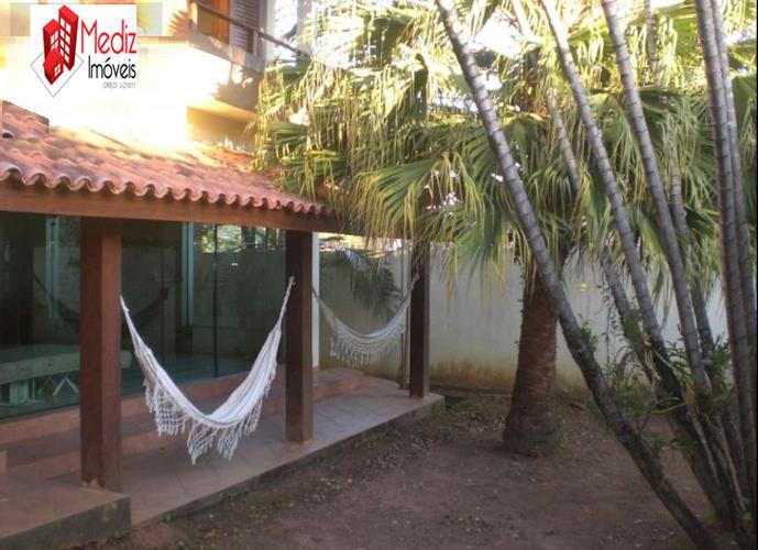 Sobrado à venda, 384 m², 3 quartos, 2 banheiros, 3 suítes