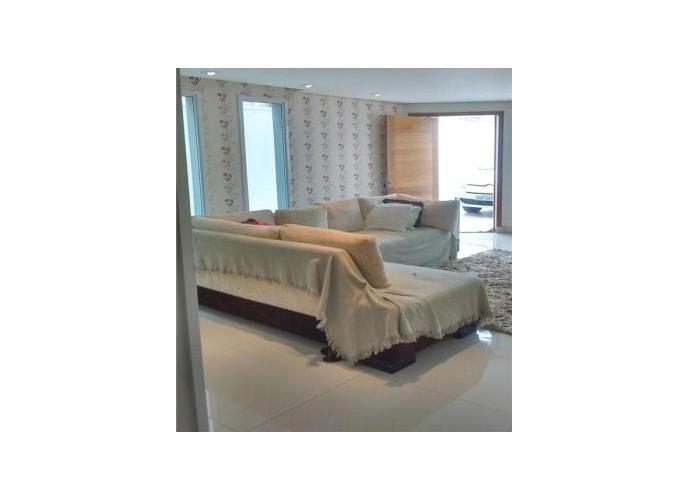 Sobrado à venda, 200 m², 3 quartos, 1 banheiro, 2 suítes