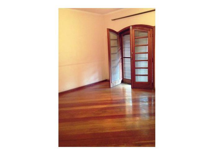 Sobrado à venda, 430 m², 4 quartos, 7 banheiros, 4 suítes