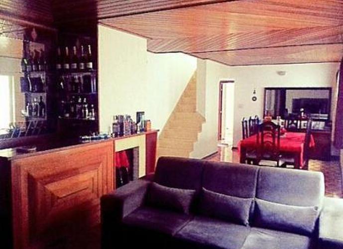 Sobrado à venda, 305 m², 4 quartos, 5 banheiros, 1 suíte
