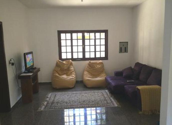 Sobrado à venda, 1 m², 7 quartos, 1 banheiro, 7 suítes