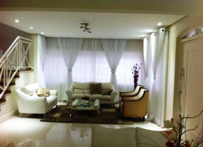 Sobrado à venda, 380 m², 3 quartos, 1 banheiro, 3 suítes