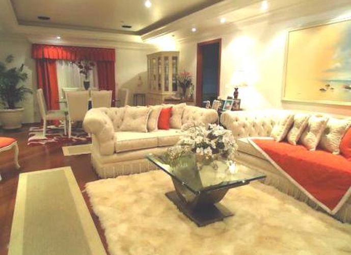 Sobrado à venda, 220 m², 3 quartos, 2 banheiros