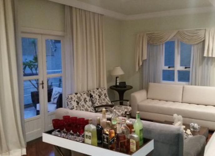 Sobrado à venda, 320 m², 3 quartos, 1 banheiro, 1 suíte