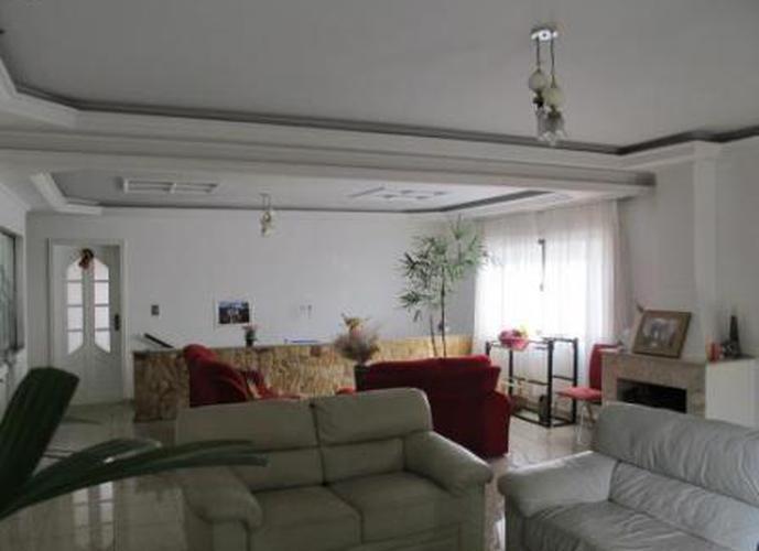 Sobrado à venda, 343 m², 4 quartos, 1 banheiro, 3 suítes