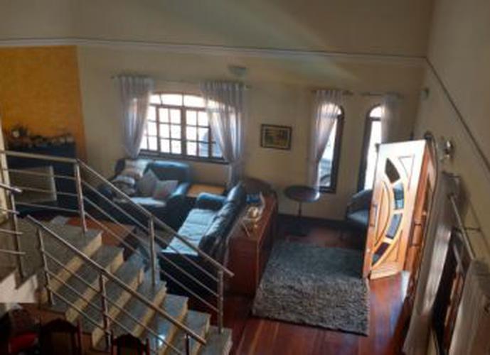 Sobrado à venda, 510 m², 6 quartos, 2 banheiros, 3 suítes