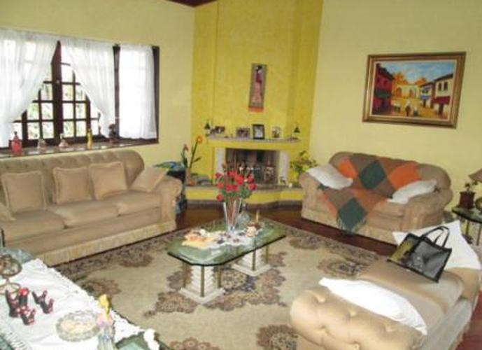 Sobrado à venda, 430 m², 3 quartos, 2 banheiros, 3 suítes