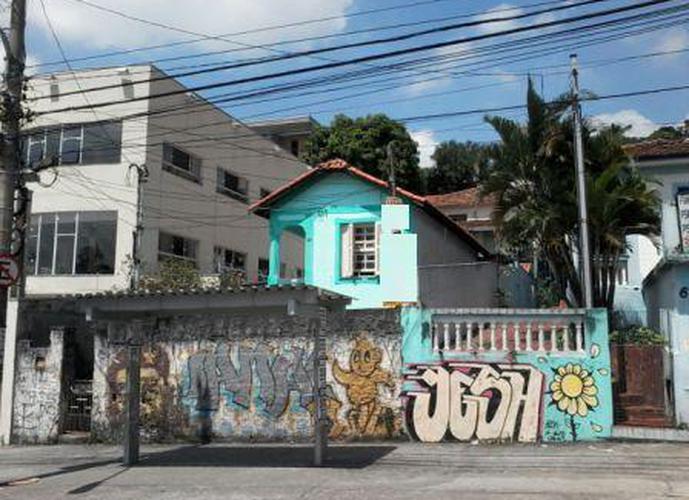 Terreno à venda, 700 m²