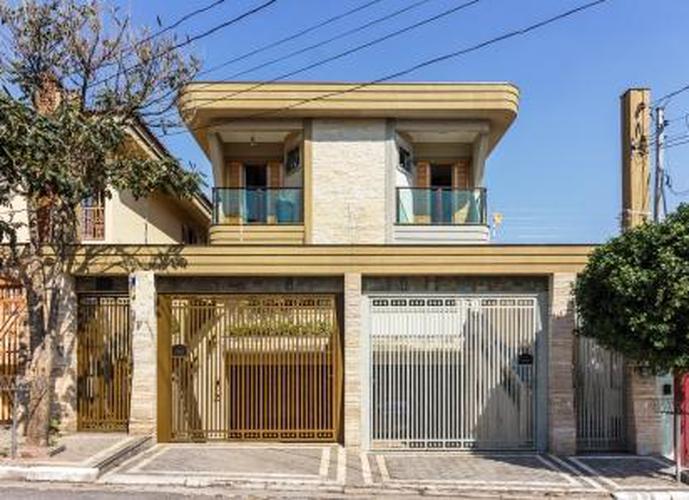 Sobrado à venda, 250 m², 4 quartos, 1 banheiro, 2 suítes