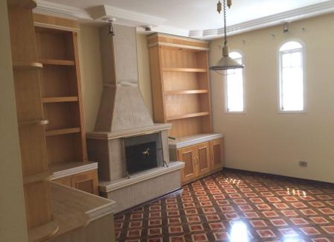 Sobrado à venda, 520 m², 5 quartos, 2 banheiros, 2 suítes