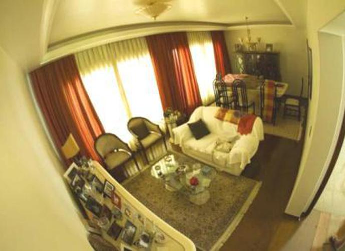 Sobrado à venda, 450 m², 5 quartos, 1 banheiro, 2 suítes