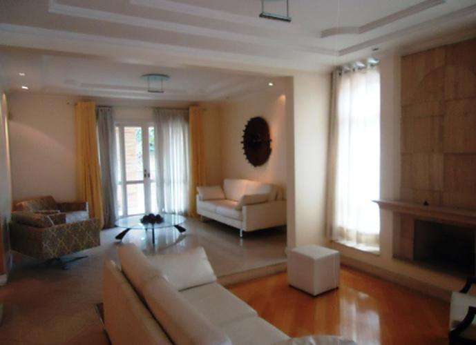 Sobrado à venda, 500 m², 4 quartos, 1 banheiro, 4 suítes