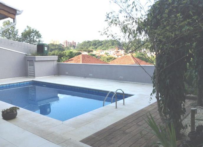 Sobrado à venda, 418 m², 4 quartos, 1 banheiro, 2 suítes