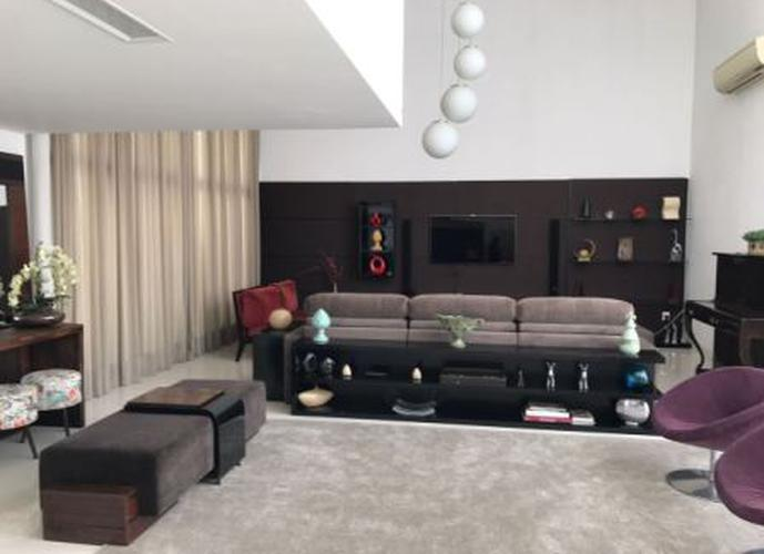Sobrado à venda, 620 m², 4 quartos, 4 banheiros, 4 suítes