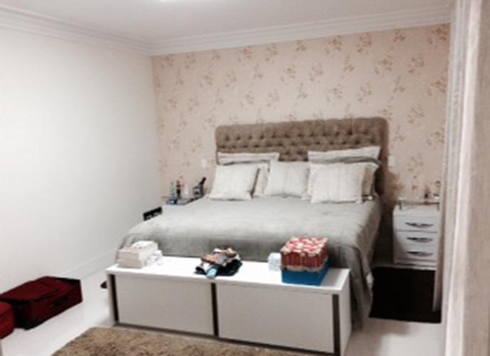 Sobrado à venda, 600 m², 4 quartos, 3 banheiros, 4 suítes