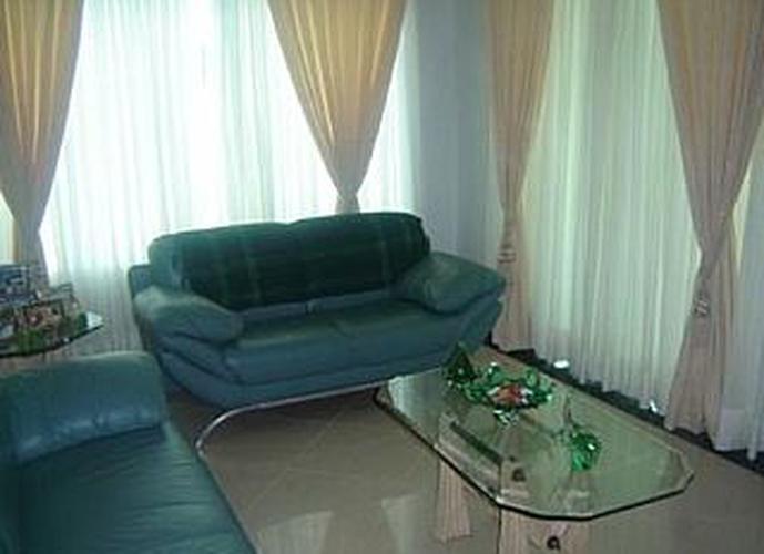 Sobrado à venda, 480 m², 3 quartos, 2 banheiros, 3 suítes