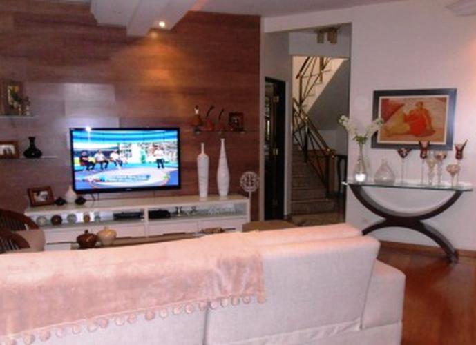 Sobrado à venda, 550 m², 4 quartos, 1 banheiro, 2 suítes