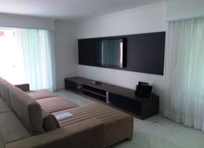 Sobrado à venda, 430 m², 4 quartos, 1 banheiro, 4 suítes