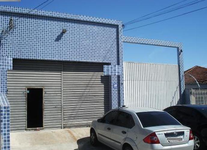 Galpão à venda, 700 m²