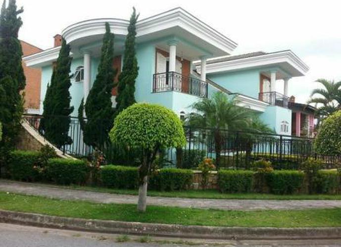 Sobrado à venda, 480 m², 4 quartos, 2 banheiros, 2 suítes
