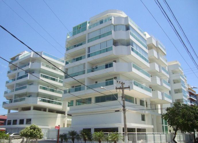 Apartamento de esquina, arejado, perto de tudo, Braga