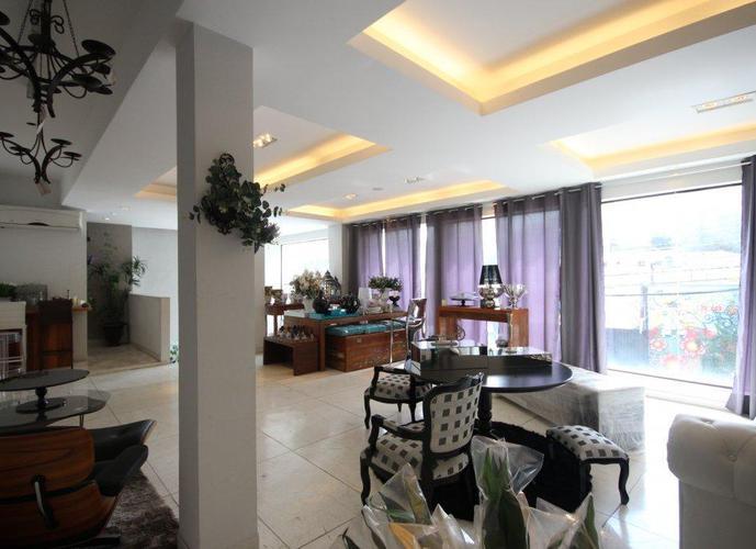 Monousuário com 3 andares em Pinheiros