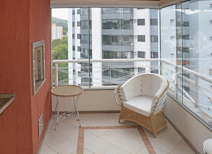 Apartamento para locação com três quartos no bairro Jardim