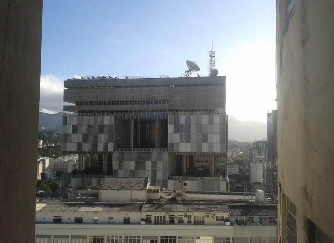 Apartamento Centro Conjugadão, frente vista livre para Baia de Guanabara -35m²