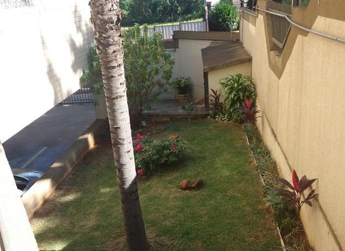 Apartamento com três dormitórios Jd. Palma Travasso