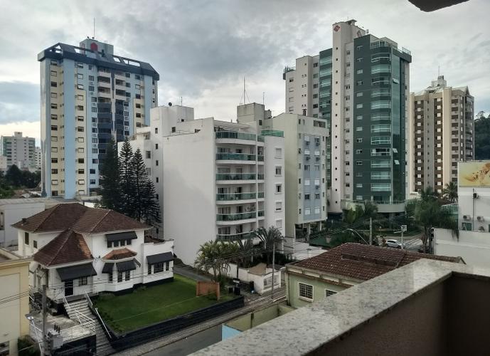 Apartamento semi-mobiliado para locação bairro Victor Konder