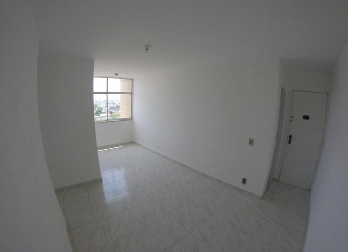 dois quartos com dependencia junto ao Largo da Abolição