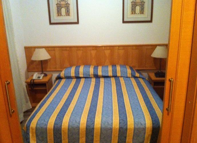Flats para locação no bairro Pinheiros,1 dormitório, 1 vaga