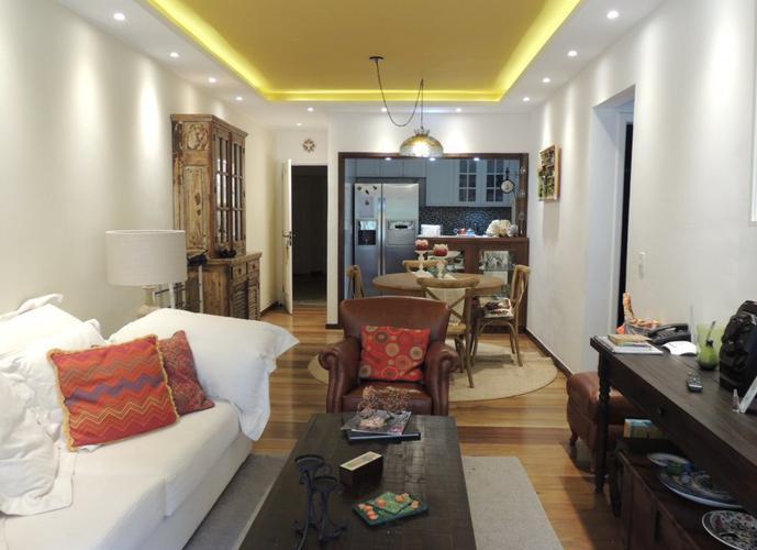 Excelente apartamento totalmente modificado e modernizado.