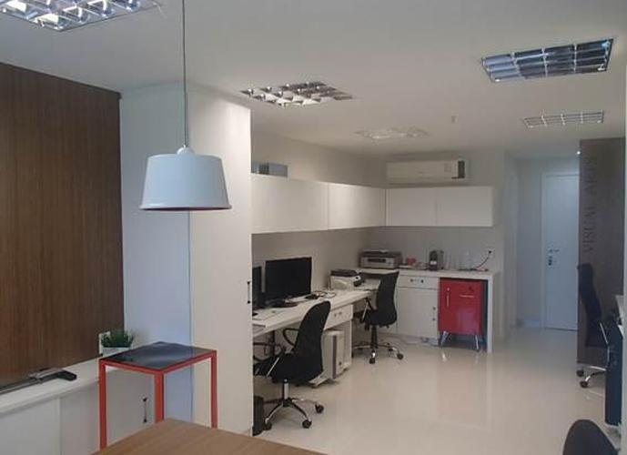 Península Pronta entrega Sala com boa iluminação natural. Mobiliário moderno e novo. Financiame