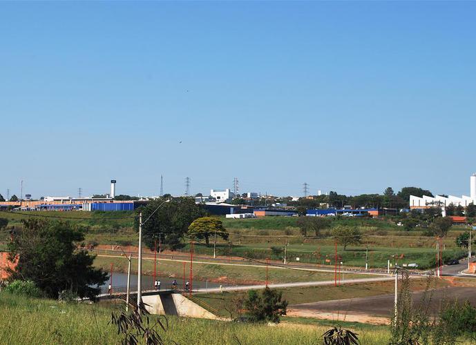 Área  mista à venda (ideal para  condomínios residencial ou industrial).