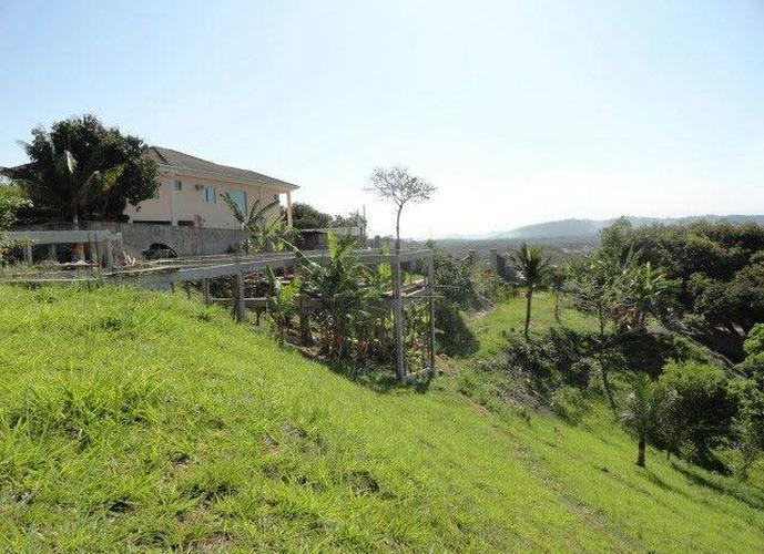 Área 3.000 m2, Toda Murada, Vista Espetacular em Ilha de Guaratiba.