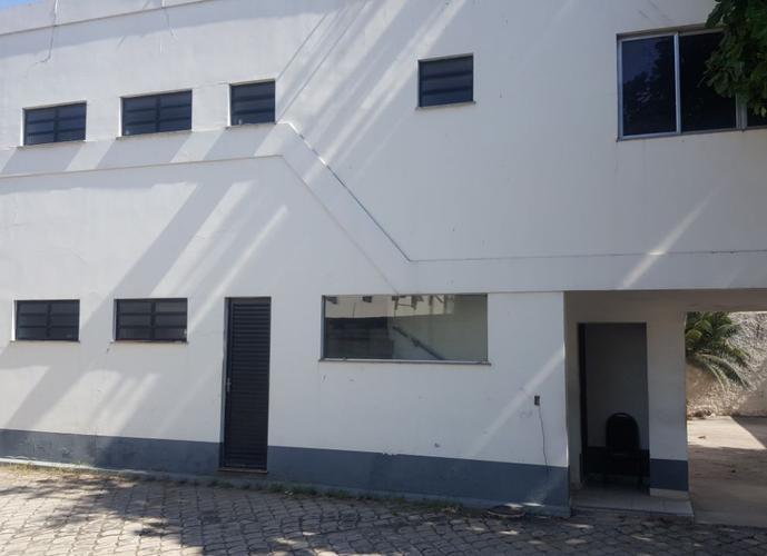 Galpão na Taquara com escritórios - 3.945 m2