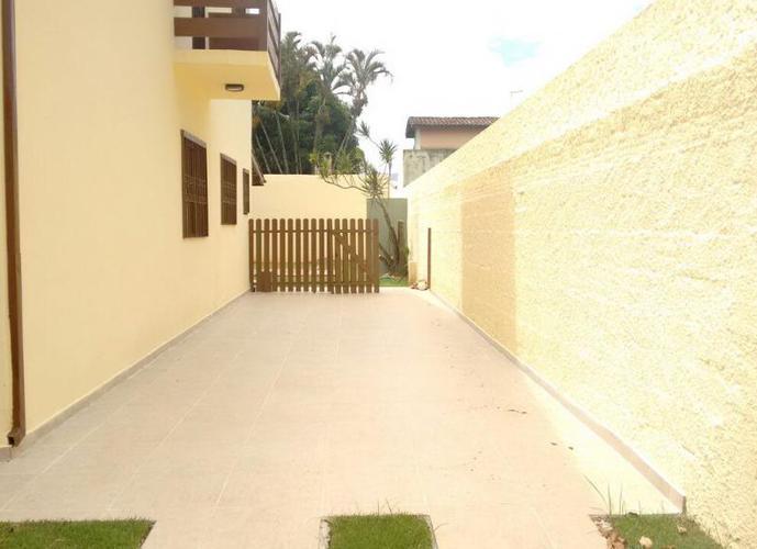 Sobrado residencial à venda, Jardim Britânia, Caraguatatuba.