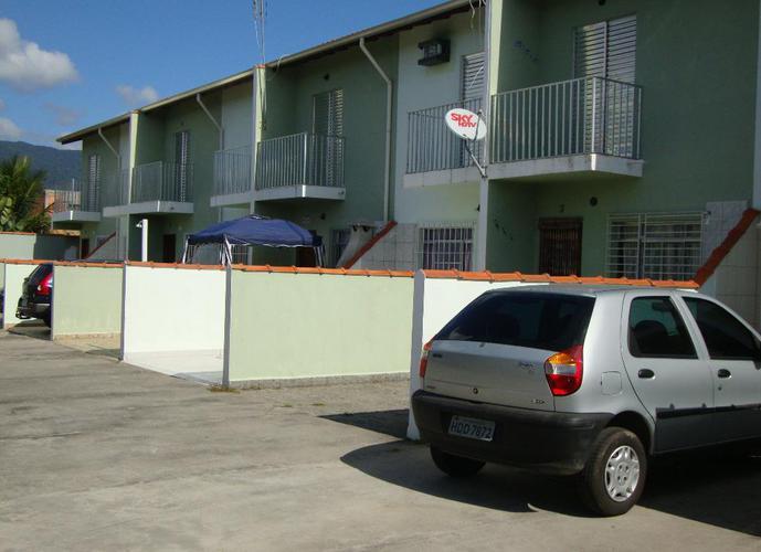 linda casa , tipo sobrado em condomínio no bairro do porto novo próximo a praia com escritura definitiva