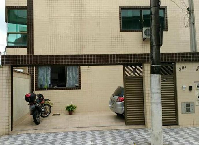 Aluga-se linda casa semi nova sobreposta baixa 3 quartos na Ponta da Praia