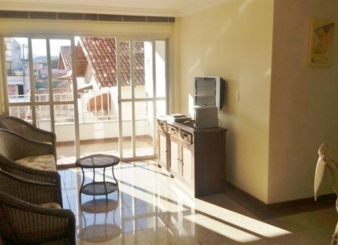 Apartamento a Venda no bairro Balneário de Meaípe em Guarapari - ES. 1 banheiro, 2 dormitórios, 1 suíte, 1 vaga na garagem, 1 cozinha,  área de serviç