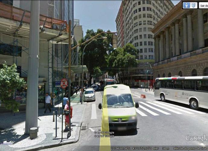 Prédio Comercial no Centro do Rio de Janeiro, Quase Esquina da Av. Rio Branco