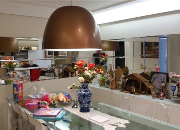 Apartamento a Venda no bairro Praia da Costa em Vila Velha - ES. 4 banheiros, 4 dormitórios, 2 suítes, 3 vagas na garagem, 1 cozinha,  área de serviço