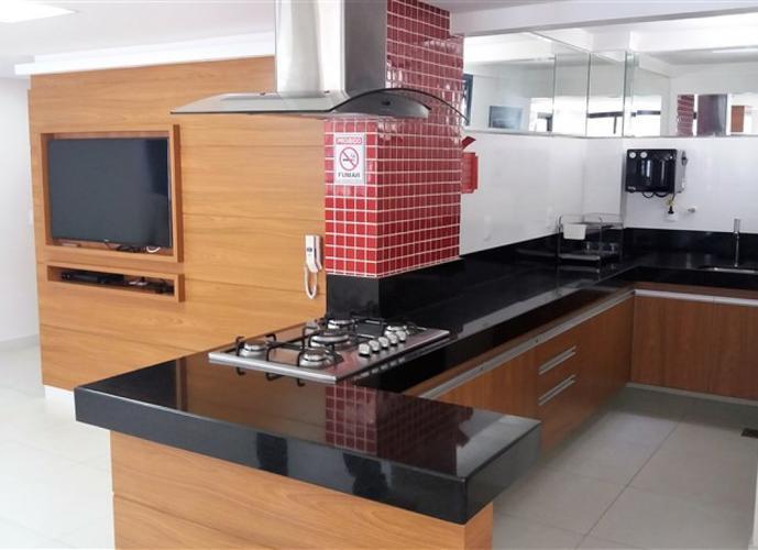 Apartamento a Venda no bairro Centro em Vila Velha - ES. 2 banheiros, 3 dormitórios, 1 suíte, 2 vagas na garagem, 1 cozinha,  área de serviço,  sala d
