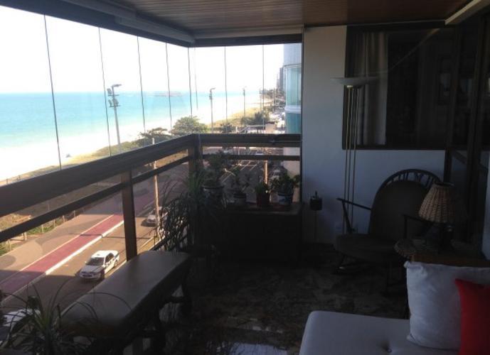 Apartamento a Venda no bairro Praia da Costa em Vila Velha - ES. 4 banheiros, 4 dormitórios, 1 suíte, 3 vagas na garagem, 1 cozinha,  área de serviço,