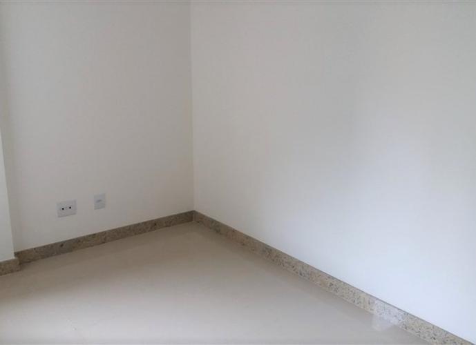 Apartamento a Venda no bairro Praia da Costa em Vila Velha - ES. 3 banheiros, 3 dormitórios, 2 suítes, 2 vagas na garagem, 1 cozinha,  área de serviço