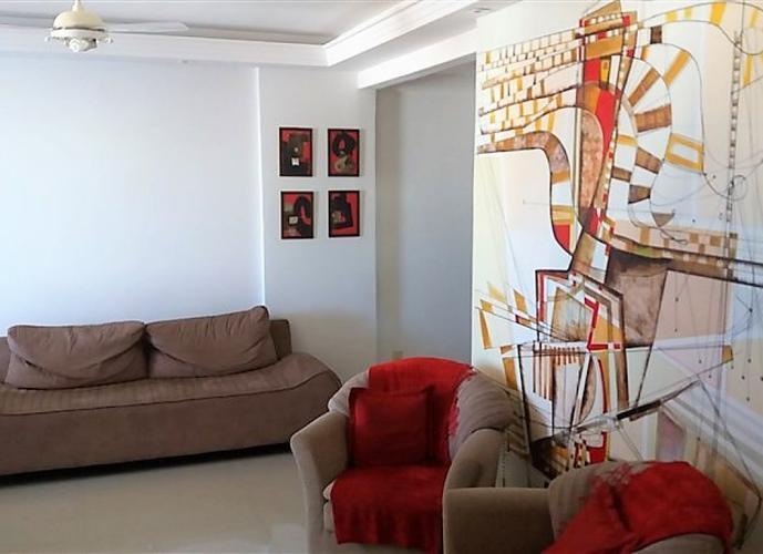 Apartamento a Venda no bairro Centro em Vitória - ES. 3 banheiros, 3 dormitórios, 1 suíte, 1 vaga na garagem, 1 cozinha,  área de serviço,  sala de tv