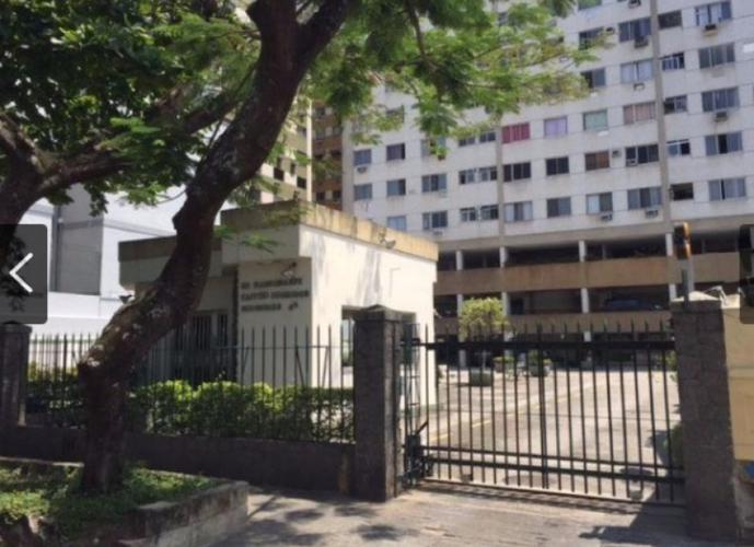 Apartamento 3 quartos - dois banheiros sociais - junto a dias da Cruz