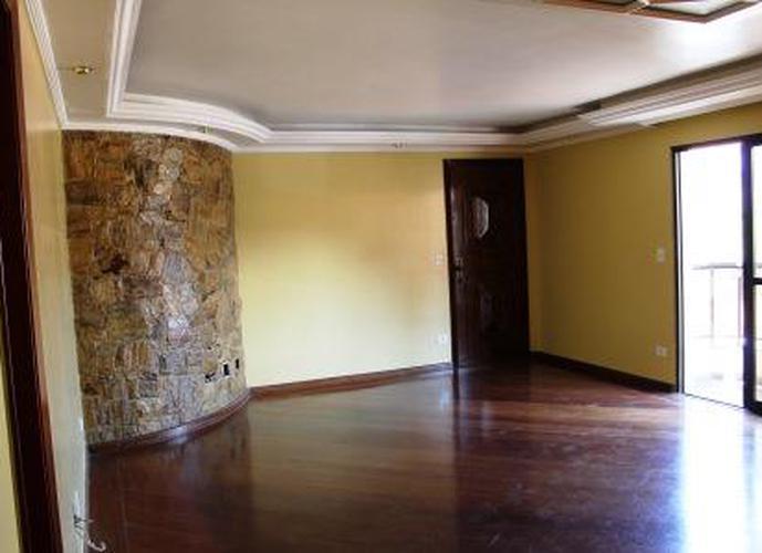 Apartamento à venda, 128 m², 3 quartos, 2 banheiros, 1 suíte